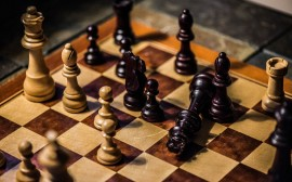 6833813-chess-wallpaper.jpg